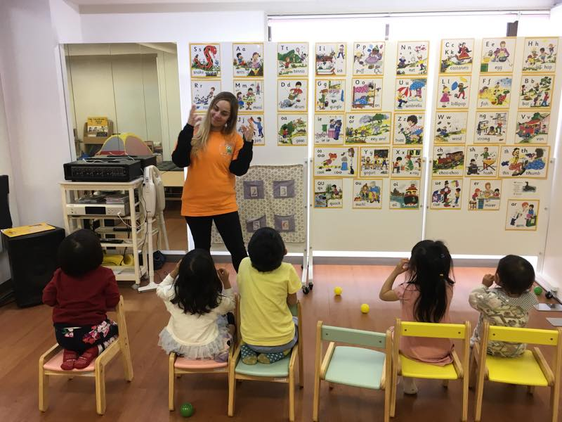 モンテッソーリ&ロボットプログラミング英語サマースクール(3~7歳)